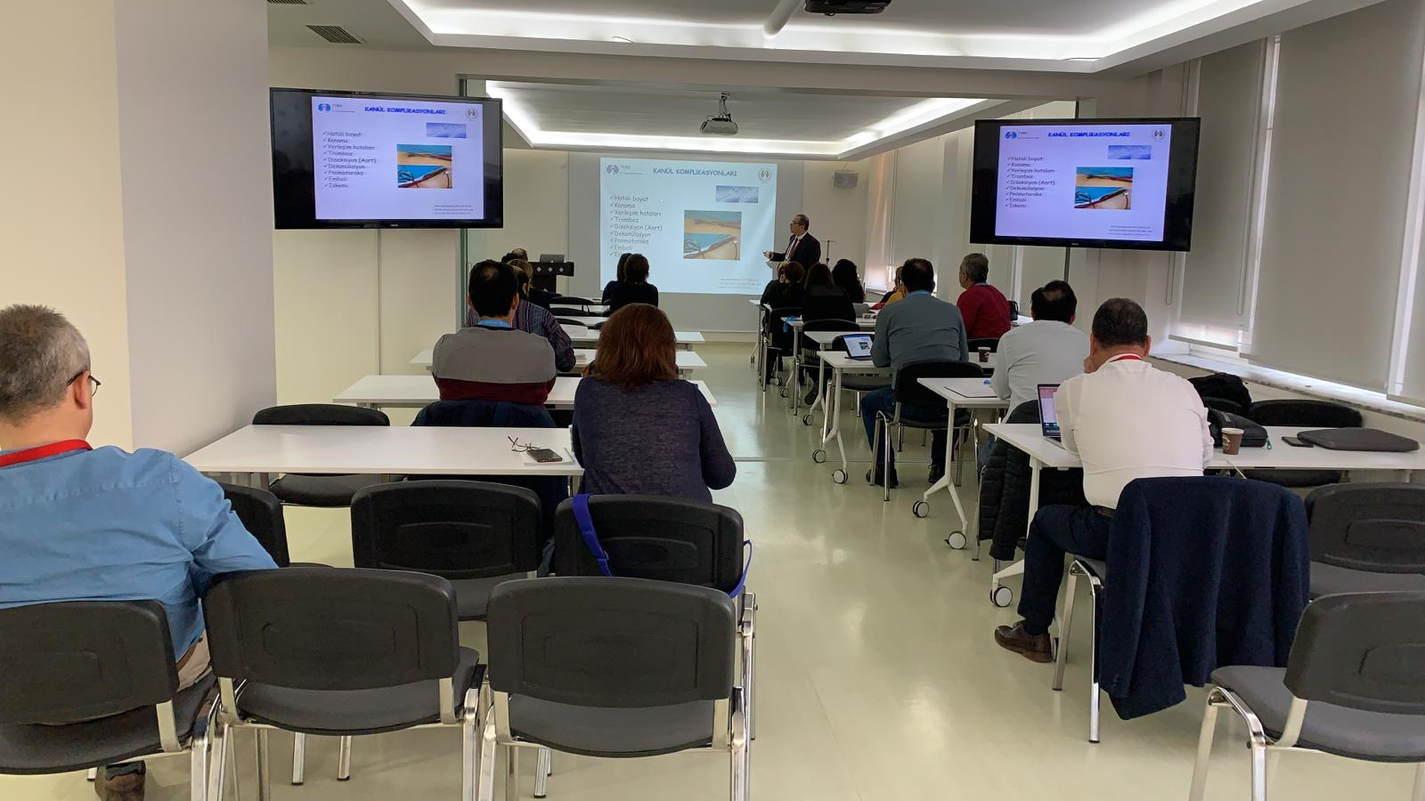 Following the 4th Extracorporeal Membrane Oxygenation (ECMO) Course ...